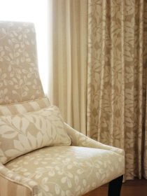 chartwell-honesty-chair-curtains